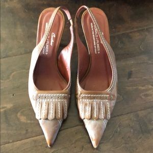 Donald Pliner pumps